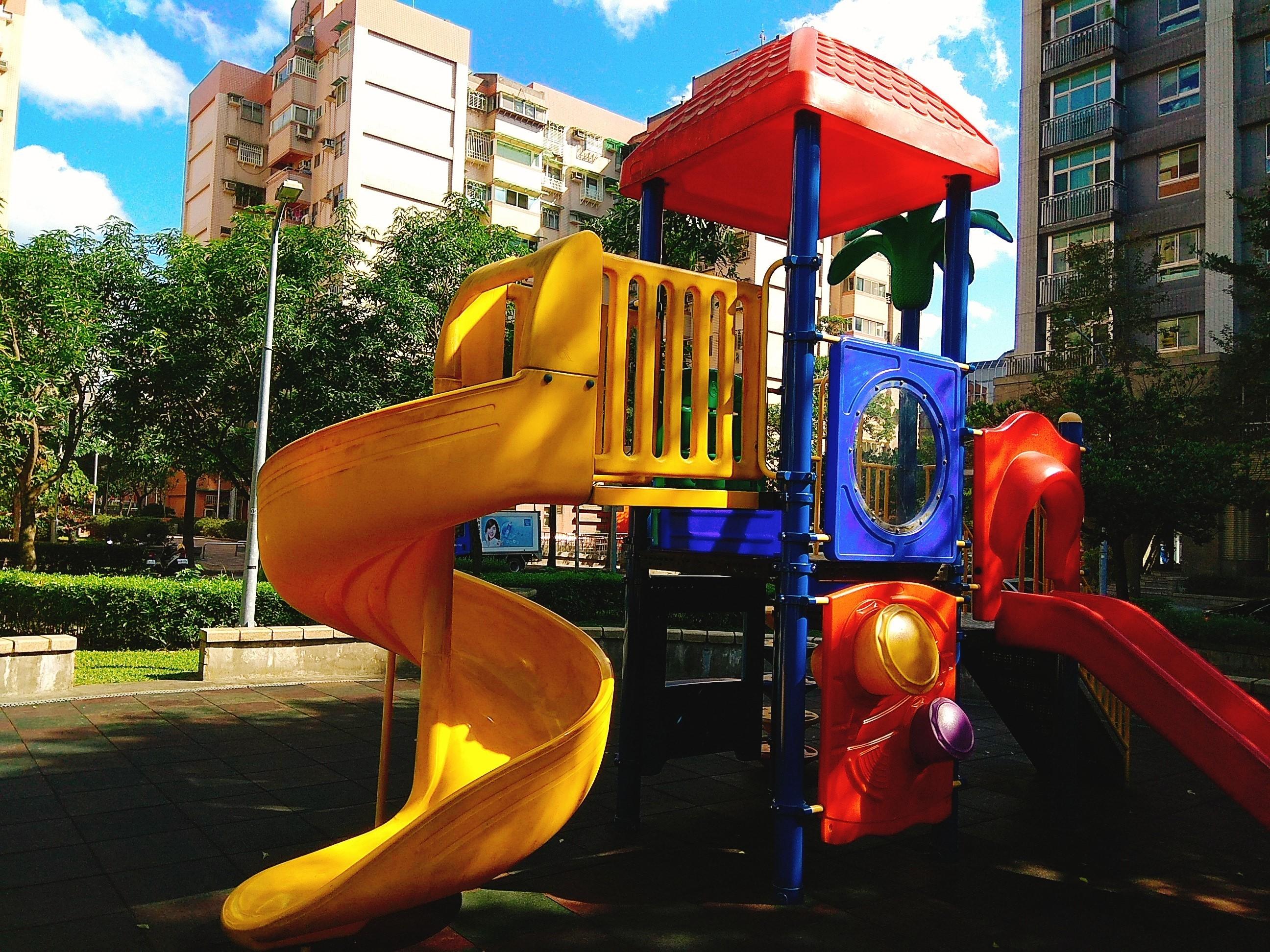 ▲▼遊樂器材,公園,溜滑梯,罐頭公園。(圖/記者姚南宏攝)