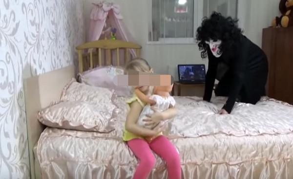 ▲▼近日網傳只要在YouTube關鍵字輸入「Elsagate」(艾莎傳送門),就會找到偽裝成幼兒兒童頻道,實際上卻充滿色情暴力的影片。(圖/翻攝自YouTube)