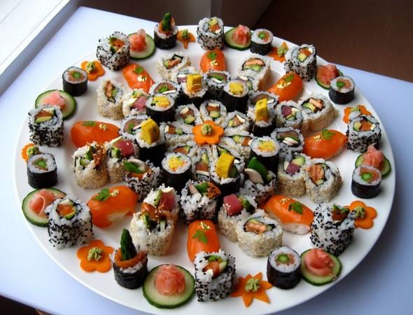 ▲▼澳洲塔斯馬尼亞州的吉夫斯頓小鎮住著一位來自日本的壽司主廚,他是46歲的Masaaki Koyama,每周只開店3天。(圖/翻攝自臉書/Masaaki`s Sushi, Geeveston)