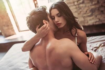從他第一次「解內衣」看個性!壓抑情慾瞬間扒光→少了點浪漫細胞