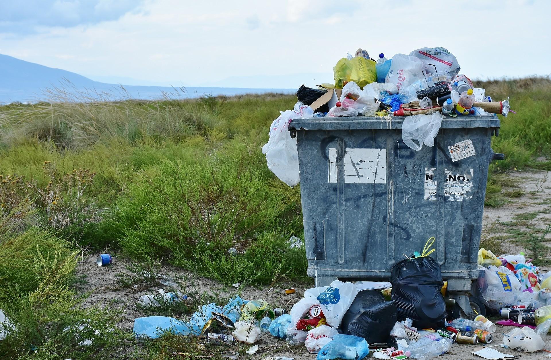 ▲▼垃圾、垃圾桶、髒亂、環保             。(圖/取自免費圖庫pixabay)