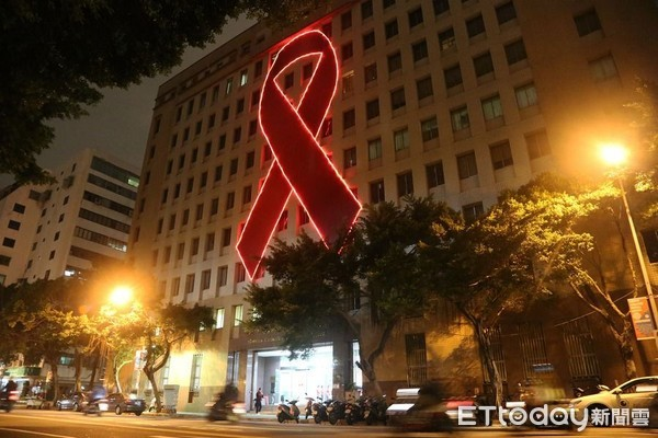 ▲世界愛滋日,愛滋點燈,愛滋防治,愛滋病,HIV,AIDS,疾管署。(圖/疾管署提供)