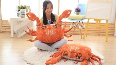 巨大棉花糖螃蟹! 「能抱的火鍋料」陪你窩在沙發過暖冬