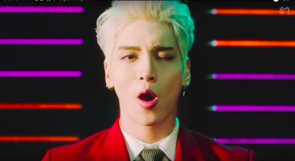 ▲鐘鉉生前最後作品,新歌《Shinin'》MV。(圖/翻攝自YouTube)