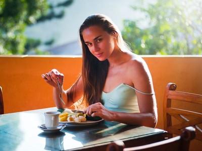 想減肥千萬別告訴朋友!研究證明說出口的人成功率超低