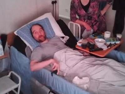 「頭顱被打凹」兇手只關2年!好爸爸死前和女兒視訊:我愛你