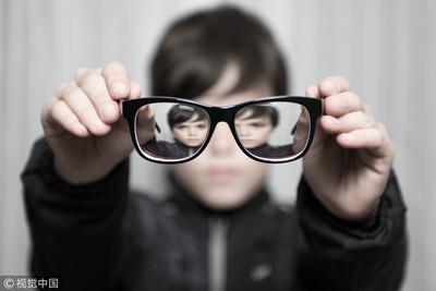 近視800度=眼睛老80歲!加速3種眼疾