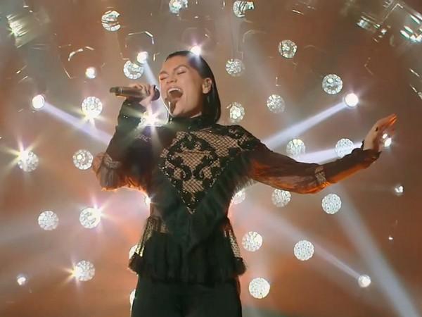 ▲▼Jessie J第三期演唱經典金曲,全場嗨到站起來聽。(圖/翻攝自《愛奇藝》)