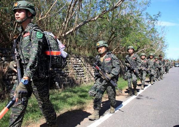陸戰66、99旅所屬步一營26日起展開為期5天的長距離行軍訓練。(圖/軍聞社)