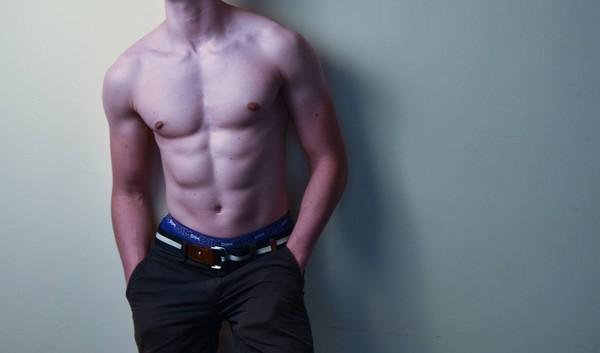 ▲▼洋男,腹肌,白人,肌肉男。(圖/取自免費圖庫pixabay)