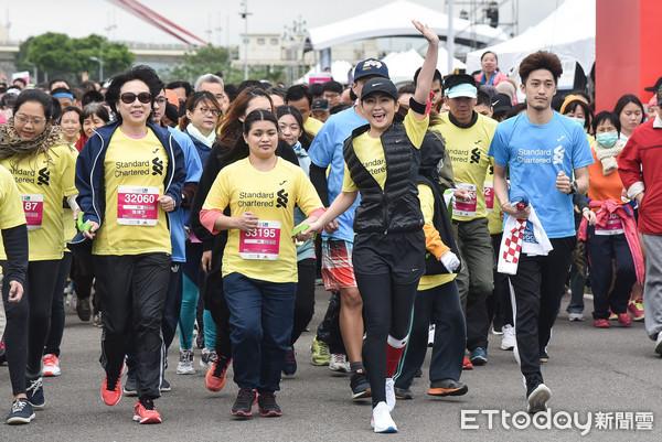 ▲▼Selina任家萱參加2018台北渣打公益馬拉松。(圖/記者李毓康攝)