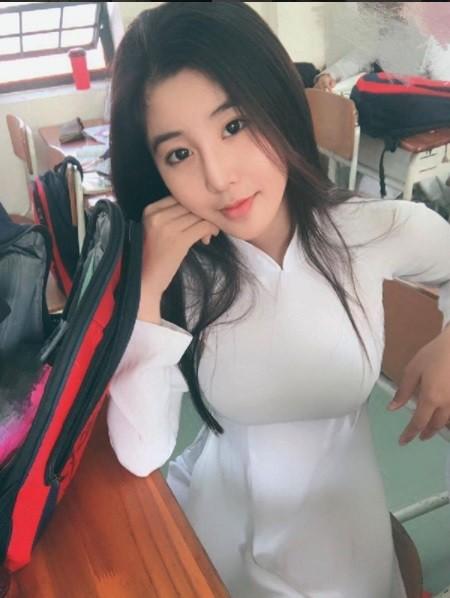 ▲越南16歲妹子Vo Ngoc Tran有著芭比娃娃的身材,網友都想娶了。(圖/翻攝自vo.ngoc.tran Instagram,下同)
