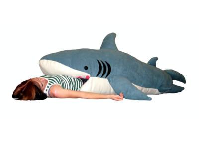 2公尺鯊魚睡袋 整個人都能被吞