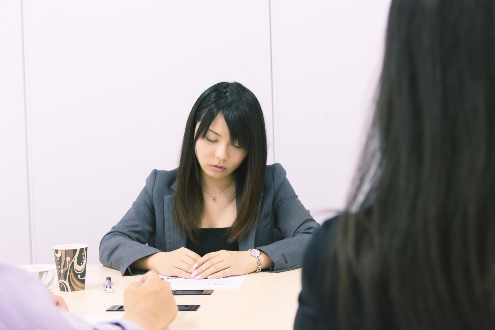 ▲擺脫悲慘工作命運,必學7件事。(圖/翻攝自pakutaso)