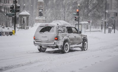 暴雪襲法國東南部致1人死亡、30萬戶停電