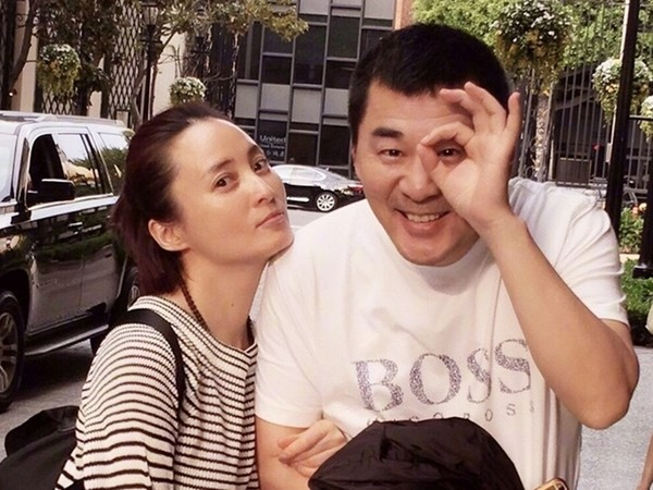 ▲陳建斌夫妻結婚多年,感情要好。(圖/翻攝自蔣勤勤微博)