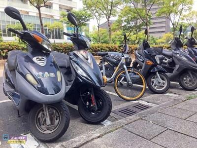 針對二行程機車再出招!交通部鼓勵限制停車量、時段並提高費率