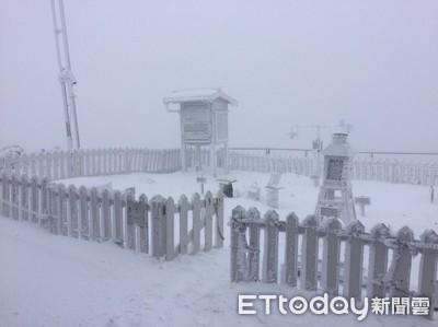 玉山出現第2波降雪積雪近9公分