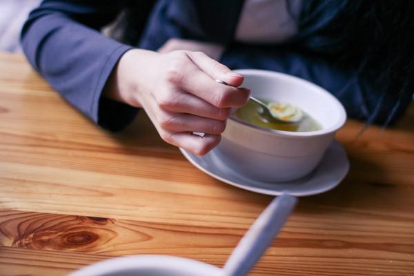 用餐,聚會,喝湯,吃飯,餐廳,客人(圖/取自免費圖庫「picjumbo」)