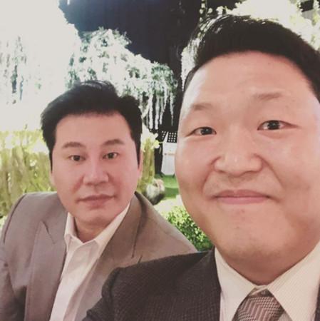 楊賢碩脫帽參加婚禮。(圖/翻攝自PSY IG)