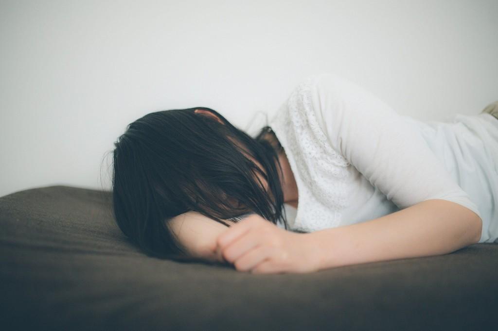 ▲睡覺,女生,睡眠。(圖/翻攝PAKUTASO)