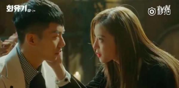 ▲《花遊記》第12集,阿斯女誘惑孫悟空。(圖/翻攝自tvN)