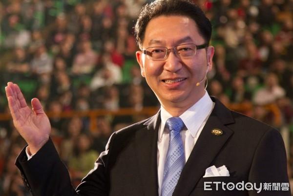 ▲曾為美商美安公司及玫琳凱公司執行總經理的胡殿群具有創立及經營直銷事業的成功經驗,他看到東森全球新連鎖事業許多創新點。(圖/胡殿群提供)