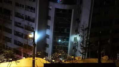 陸網友微博送暖 號召捐款救災