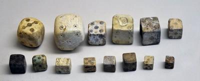 羅馬人都賭神?解析古代「各種怪骰子」 沒公平只有眾神庇佑