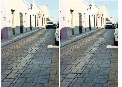 歪頭!看得出左右是同一張照片嗎?基礎幻術第一課:斜塔錯覺