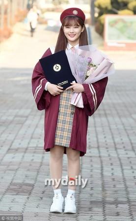 ▲▼金裕貞高中畢業了。(圖/CFP)