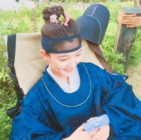 ▲▼金裕貞曾和朴寶劍合演《雲畫的月光》。(圖/翻攝自金裕貞Instagram)