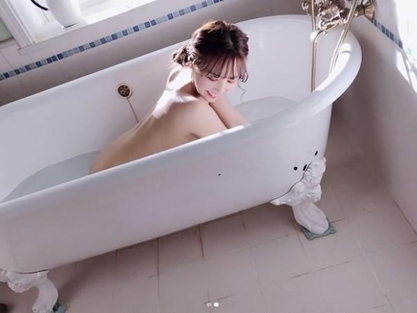 ▲▼三上悠亞「全裸泡澡」正面照曝光。(圖/翻攝自三上悠亞Instagram)