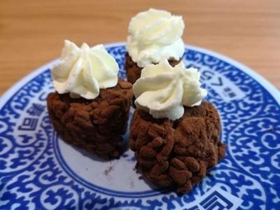 情人節藏壽司「堤拉米SUSHI」 海苔+醋飯夾巧克力布丁..噁