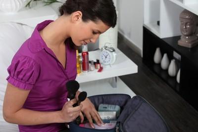 出遠門必知!醫分享「旅行保養化妝包3重點」別帶試用包
