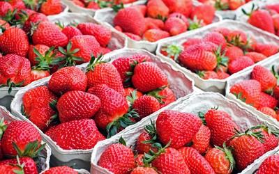 女偷草莓遭罰八千 檢警控店員敲詐