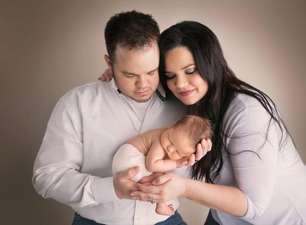 ▲▼美國南部阿肯色州50歲母當代理孕母。(圖/翻攝自粉專Creating Baby Jones)