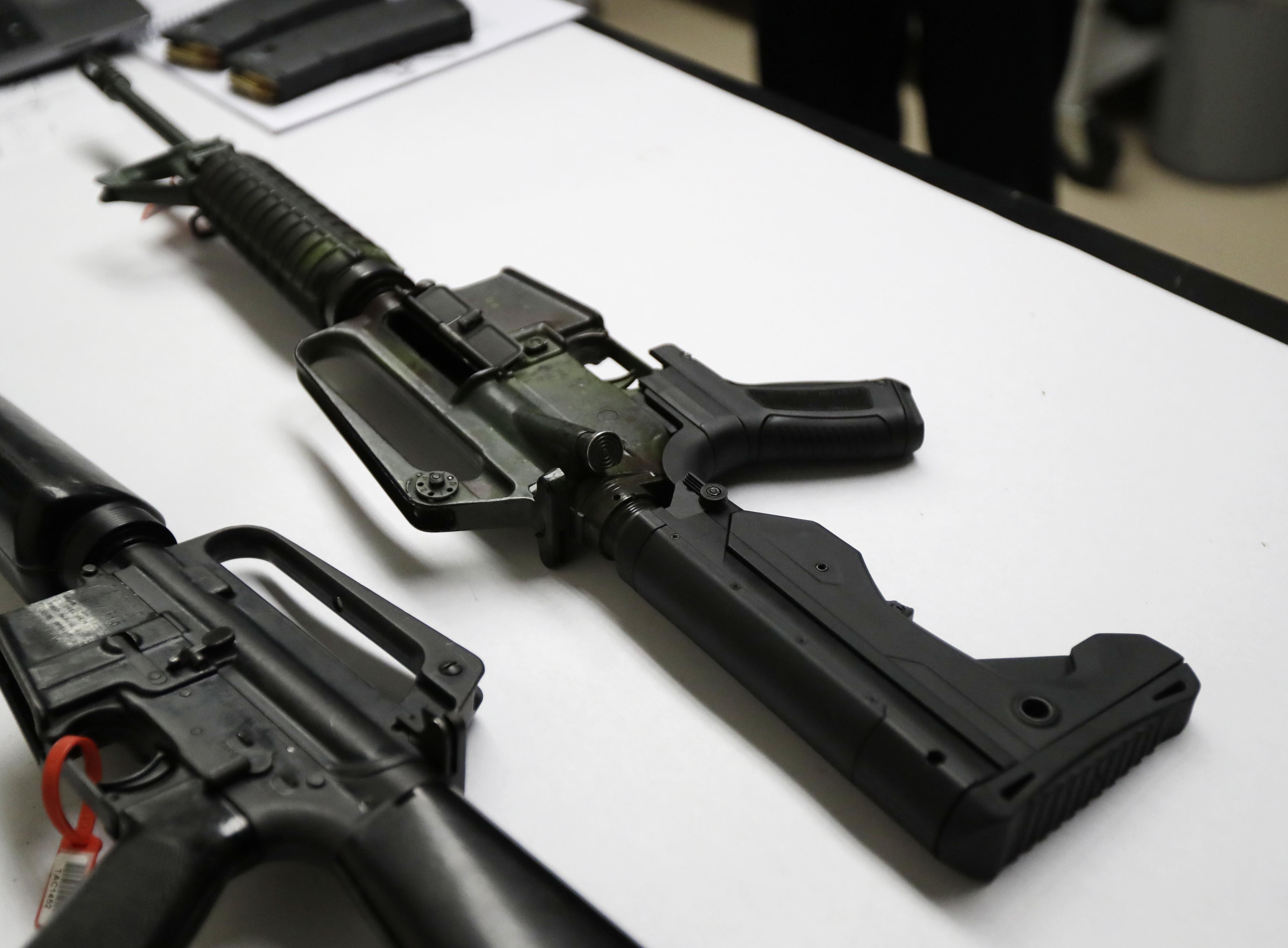 ▲▼ 佛州槍擊案後,大批學生呼籲政府管制槍枝,總統川普已經指示修法禁售「撞火槍托」(bump stocks)。(圖/達志影像/美聯社)