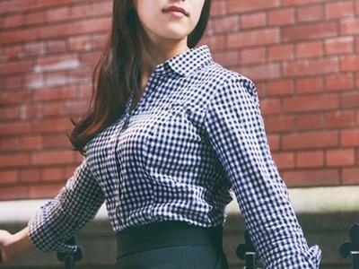 「巨乳專用襯衫」再也不爆扣,over E貼心設計讓女孩不用駝背