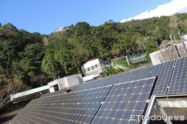 經濟部推動太陽光電,估算每戶可賺668元。(圖/記者馮建棨攝 )