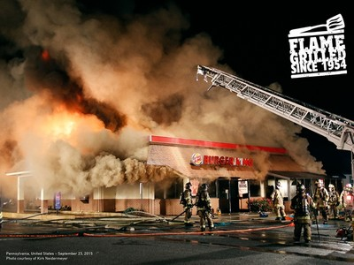 火烤就是美味!漢堡王把「火災失事片」變廣告,每天發爐都是真的