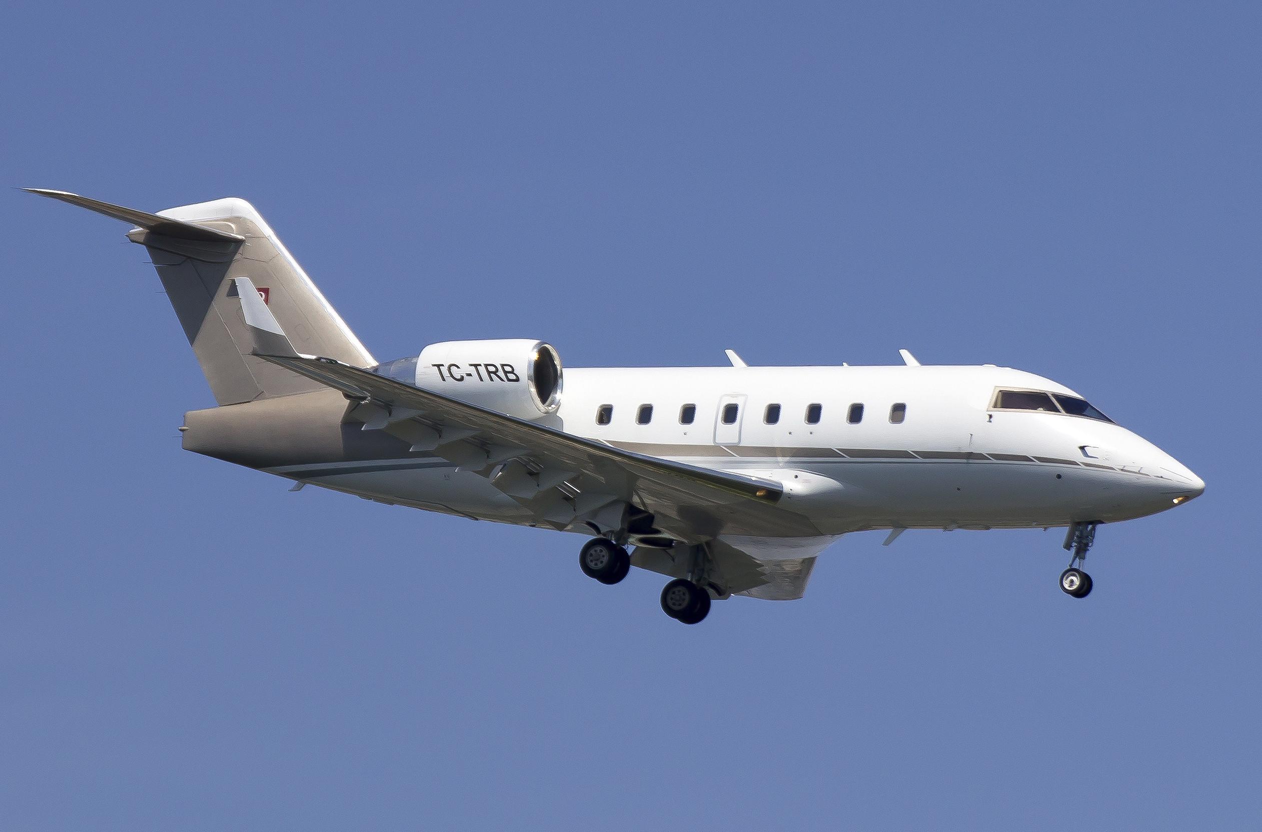 土耳其富商巴薩朗的28歲女兒米娜(Mina Basaran)和姐妹參加單身派對,全程墜機全罹難。失事飛機則是加拿大龐巴迪公司製造的CL604,機尾編號為TC-TRB。(圖/達志影像/美聯社)