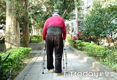 90歲翁出院下不了床 「信義區石頭湯」幫他走完5分鐘路