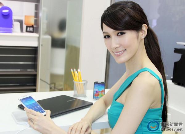 三星推出GALAXY S4無線充電組與分享器 加購價僅990元