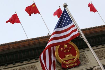美中台民調:51.9%維持兩邊等距