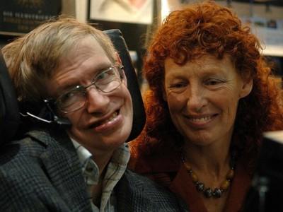 心理師艾彼│霍金被妻子嚴重虐待卻不說的兩大原因 這其實並不是愛