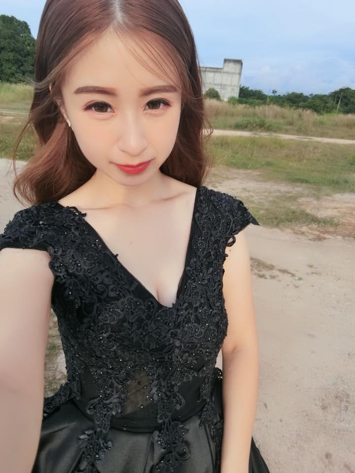 ▲21歲辣媽生四胞胎「白皙肚皮崩壞」。(圖/翻攝自Doreen Ching臉書,下同)