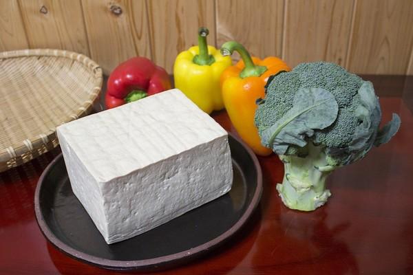 豆腐有假的!營養師曝吃錯「滿嘴爆卡肥油」...1款害減肥失敗