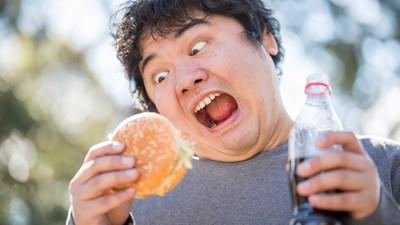 最悲情「魯蛇餐」是什麼?網:我一個人蹲在廚房啃生菜