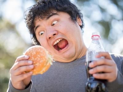 單身狗別哭!研究證實→情侶更會「胖到天邊不回頭」